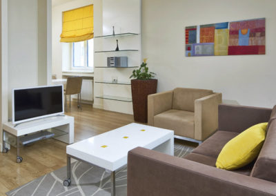 Mamaison Residence Sulekova Bratislava_Executive Apartment Yelow 02_1360x680